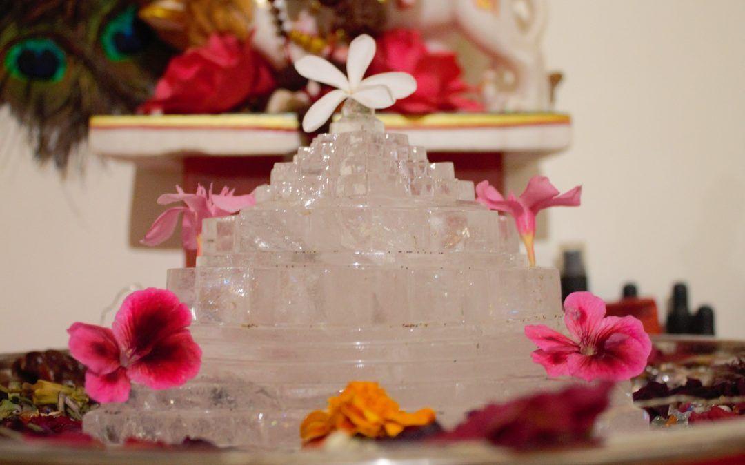 17 julio – Consagración del nuevo Shri Chakra de 60 cm.