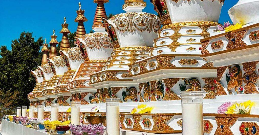 Las 8 stupas de Buddha
